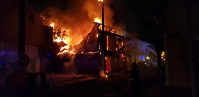 incendie-guadeloupe-a